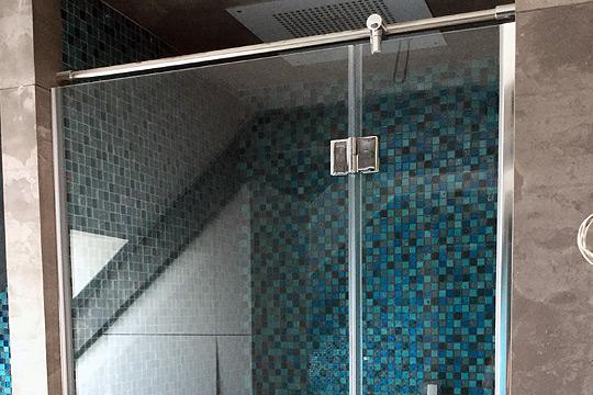 wnękowe kabiny prysznicowe